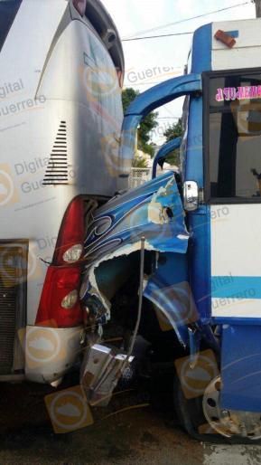 choque-urbano-y-autobus-2
