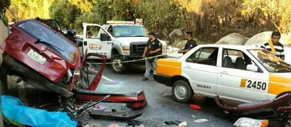 accidente-en-la-escenica-acapulco